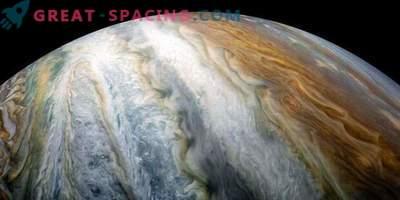 Загадката на цветните решетки на Юпитер