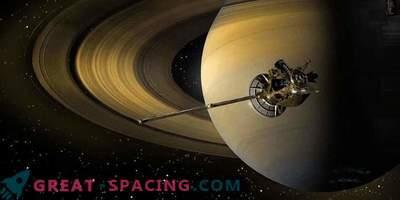 Aparat Cassiniego spłonął na niebie Saturna.