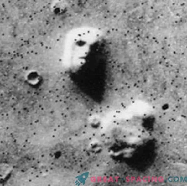 Marsjańska twarz wciąż niepokoi ufologów