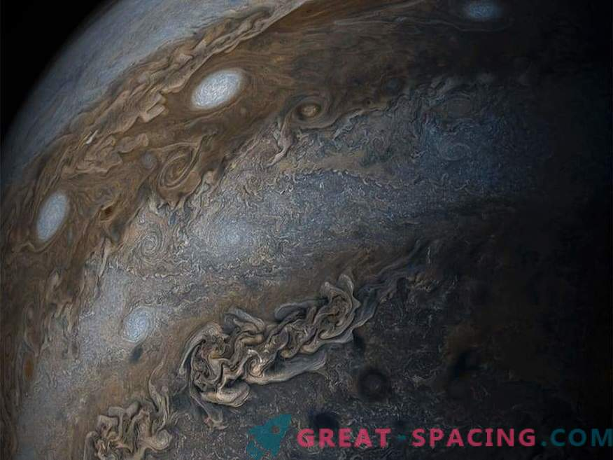 Improved weather forecasting on a brown dwarf