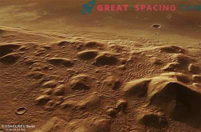 Ice can be hidden under the hills of Mars