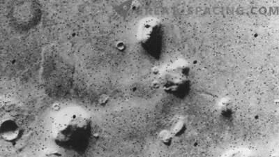 10 dziwnych obiektów na Marsie! Część 1